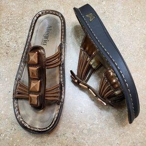 Alegria Pisa Bronze Thong Slip On Sandal Size 37